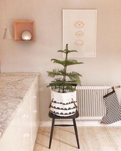 ferm LIVING Half Moon Basket: http://www.fermliving.com/webshop/shop/all-products/half-moon-basket.aspx  ferm LIVING Christmas Stocking: http://www.fermliving.com/webshop/shop/christmas-collection-2015/christmas-stocking-7.aspx