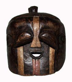 Arte africana - Máscara da etnia Lega em madeira entalh..