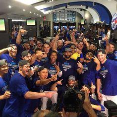 The Blue Jays are going to the playoffs ! Blue Jay Way, Go Blue, Mlb Blue Jays, Josh Donaldson, Baseball Boys, Mlb Teams, Sports Teams, Toronto Blue Jays, Squad Goals