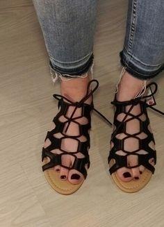 Kup mój przedmiot na #vintedpl http://www.vinted.pl/damskie-obuwie/sandaly/14335199-czarne-sandaly-z-rzemykiem-rozm38-primark
