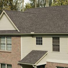 Add A Warm And Personal Touch To Your Roof By Choosing This Owens Corning Oakridge Algae Resistant Driftwood Laminate Architectural Shingles