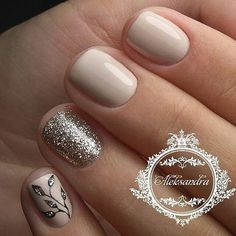 Having short nails is extremely practical. The problem is so many nail art and manicure designs that you'll find online Gold Nails, Pink Nails, Glitter Nails, Gold Glitter, Ongles Beiges, Hair And Nails, My Nails, Super Nails, Nagel Gel