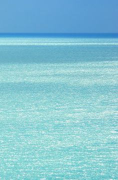 We love all the different shades of blue that can be viewed on the shores of Captiva Island, Florida! www.tween-waters.com