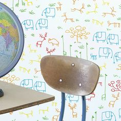 Chispum is famous for its kids' wallpapers and its ideas. The graphics they use have been created by several artists which work together with the brand. Good link for kids wallpaper