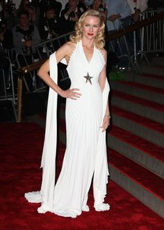 Naomi Watts gave off Old-Hollywood pin-up vibes in a heavily pleated Mugler gown at the 2008 Met Gala.