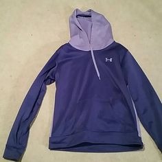 Under armour hoodie In great condition. Perfect for winter. Under Armour Tops Sweatshirts & Hoodies