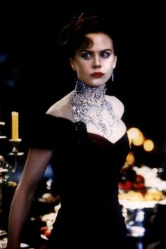 Nicole Kidman in Moulin Rouge! directed by Baz Luhrmann, 2001 Satine Moulin Rouge, Film Moulin Rouge, Le Moulin, 1890s Fashion, Fashion Tv, Vintage Fashion, Dark Witch, Nicole Kidman, Celebs