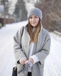 Zima za!  Brrr! winter socold babyitscoldoutside grey greyoutfit aggiplhellip