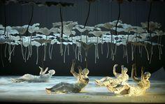 Photographier la danse – Dansercanalhistorique Sankaï Juku Stage Lighting Design, Stage Design, Pavillion Design, Lotus Sculpture, Midsummer Dream, Theater, Theatre Design, Stage Set, Scenic Design