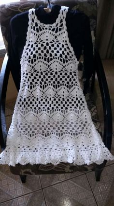 Crochet dress cover up fashion Ideas Filet Crochet, Diy Crochet, Crochet Stitches, Crochet Patterns, Crochet Cover Up, Crochet For Kids, Crochet Summer, Crochet Beach Dress, Crochet Cardigan
