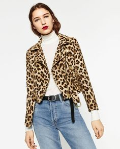 What Fall fashion 2016 will look like, according to Zara: leopard print, embroidery, dusty pink, and more. Fall Fashion Staples, Fall Fashion 2016, Autumn Winter Fashion, Outerwear Women, Outerwear Jackets, Jacket Outfit, Street Style Shop, Mode Mantel, Animal Print Fashion