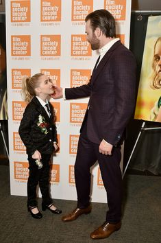 """Actors McKenna Grace and Chris Evans attend the """"Gifted"""" New York Premiere at New York Institute of Technology on April 6, 2017 in New York City. - 'Gifted' New York Premiere"""