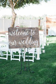 Welkom bij onze houten tekenen van de bruiloft door ChalkinHand