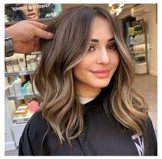 Brown Hair Balayage, Brown Blonde Hair, Hair Color Balayage, Light Brunette Hair, Medium Brunette Hair, Hair Colour, Try On Hair Color, Brunette Hair Highlights, Hair Trends