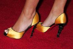 I tuoi piedi emanano cattivi odori e non sai come combatterli? Prova i rimedi naturali per avere sempre piedi freschi e profumati!