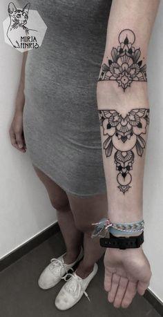 loving this Mirja Fenris Tattoo Elbow Tattoos, Knee Tattoo, Back Tattoos, Great Tattoos, Future Tattoos, Beautiful Tattoos, Arm Tattoo, Body Art Tattoos, Sleeve Tattoos