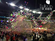 When thousands of balloons dropped at this cheerleading event the crowd went nuts! | Balloons by Tommy | #balloonsbytommy