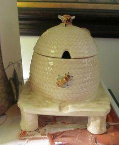 Honey Pot. Stafforshire. Handpainted. Shorter & Son.