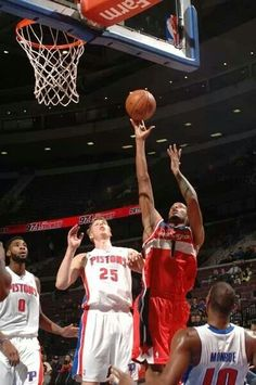 (0-1)Wizards 102-113 Pistons(1-0)