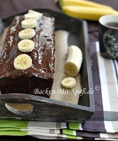 Sehr einfacher und schneller Schoko- Bananenkuchen. Schokolade und Bananen gehen immer sehr gut zusammen. Der Kuchen ist richtig lecker und...