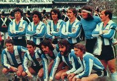 1977 Argentina - De Pie: Daniel Passarella, Americo Gallego, Jorge Olguin, Vicente Pernia, Hugo Gatti, Jorge Carrascosa; Agachados: Daniel Bertoni, Ardiles, Leopoldo Luque, Julio Villa y Oscar Larrosa.