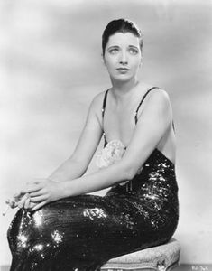 Kay Francis Stolen Holiday Love the fashion in this movie. Kay looks stunning. Hollywood Glamour, Old Hollywood Style, Hollywood Fashion, Hollywood Actresses, Classic Hollywood, Stephane Audran, Orry Kelly, Kay Francis, Star Wars
