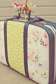 Little Lovables: Vintage Suitcases Memento Craft Idea via A Drawer Full of Pretty Wishes
