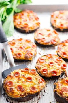 Easy Mini Eggplant Pizza Recipe - Low Carb - This easy, low carb eggplant pizza recipe needs just 6 ingredients! See how to make eggplant pizza faster than other methods - only 30 minutes total. Keto Eggplant Recipe, Eggplant Pizza Recipes, Eggplant Pizzas, Healthy Eggplant, Eggplant Parmesan, Eggplant Dishes, Low Carb Recipes, Vegetarian Recipes, Cooking Recipes