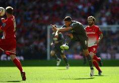 Alex Revell scored a magnificent to drag Rotherham United back from the dead and beat Leyton Orient on penalties to earn promotion to the Championship Rotherham United, Leyton Orient, World Football, The Championship, Pinterest Marketing, Social Media Marketing, Soccer, Challenges, Goals