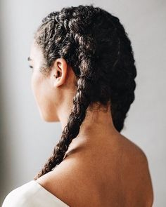 curly hair, hairstyles et braids image sur We Heart It