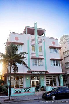Miami Beach: The McAlpin Hotel, at 1424 Ocean Drive Miami, built by L. Murray Dixon in 1940. Miami glitz - love all the art deco hotels. Hotels in Ocean Drive!
