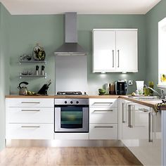 new ideas for kitchen renovation white cupboards Sage Green Kitchen, Green Kitchen Walls, Kitchen Wall Colors, Green Sage, Kitchen Units, New Kitchen, Kitchen Cabinets, Kitchen Ranges, Wood Cabinets