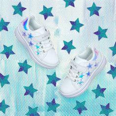 Νέα Ανοιξιάτικη συλλογή από την Lelli Kelly! 🌸🌺Για κορίτσια με στυλ!👧 Βρείτε όλη την συλλογή στο www.crazyfeat.com #crazyfeat #μένουμεσπίτι #stayhome #lellikellys Adidas Stan Smith, Adidas Sneakers, Shoes, Fashion, Adidas Tennis Wear, Moda, Adidas Shoes, Zapatos, Shoes Outlet