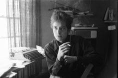 """Steven Kasher Gallery's show """"Ted Russell: Bob Dylan NYC 1961–1964"""" presents exceptional early photographs of the singer-songwriter."""
