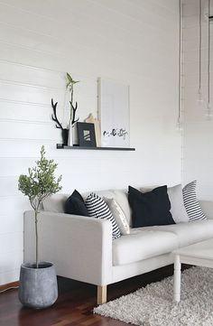 Coastal Style: Black & White Style