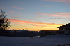 ¡Los mejores paisajes en la #NieveArgentina! #CerroBayo #Atardecer #Amanecer #Paisaje #Nieve #Invierno #Argentina #VillaLaAngostura #Neuquen #ArgentinaEsTuMundo | Más Info en www.facebook.com/viajaportupais Celestial, Sunset, Facebook, Outdoor, Dawn, Winter, Argentina, Scenery, Outdoors