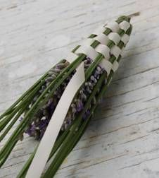 How to make a lavender wand