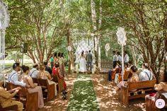 Cerimônia entre jabuticabeiras na fazenda - casamento boho