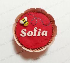 Cupcake abelhinha 3D com nome!  curta nossa página no Facebook: www.facebook.com/sonhodocerj