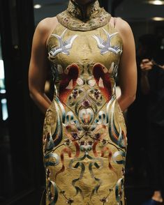 #adriangancheongsam #fittings #embroidery