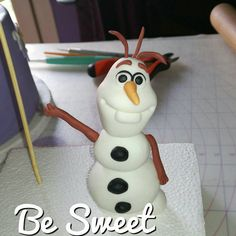 Olaf!! #olaf #snowman #frozen #sugarpaste #fondant #handcraft #figurine