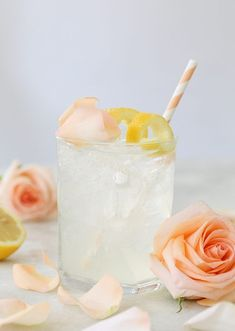 Rose Water Gin Cocktail If you're looking for a romantic cocktail, look no further! It doesn't get more romantic than this unique and delicious, Rose Water Gin Cocktail! Best Gin Cocktails, Gin Cocktail Recipes, Pink Cocktails, Easy Cocktails, Summer Cocktails, Popular Cocktails, Cocktail Ideas, Cocktail Parties, Summer Parties