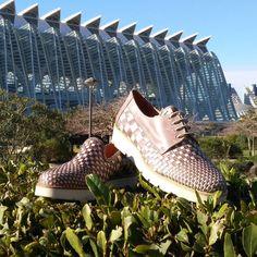 Os vamos a sorprender lo prometemos!  #luisgonzalo #luisgonzaloshoes #luisgonzalo50aniversario #zapatos #shoes #valencia #ciudaddelasartesylasciencias #nuevacoleccion #primavera #almansa #cool #newseason #verano #fashion by luis_gonzalocalzado