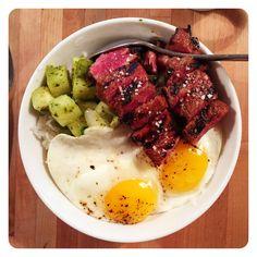 Short rib rice bowl two sunny side eggs herbed daikon kimchi [OC] [1000 x 1000]