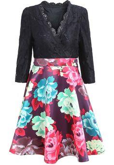 Black V Neck Contrast Lace Floral Dress 35.17