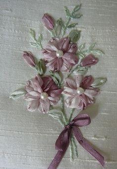 Silk Ribbon Embroidery: Free Design Lazy Daisy