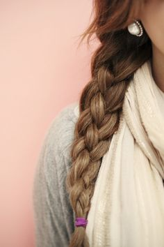 Sailor's knot braid: four strand braid. 1) divide hair into 4 sections and number them 1-4 from the left. 2) 1 over 2, 3 over 4. 3) 4 over 1. 4) re-assign the numbers and repeat.