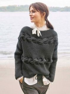 Knitting Patterns Pullover Title model Classici 13 with instructions for free Crochet Pullover Pattern, Knit Crochet, Cardigan Pattern, Poncho Pullover, Knit Cardigan, Big Knits, Diy Mode, Cool Sweaters, Sweater Fashion