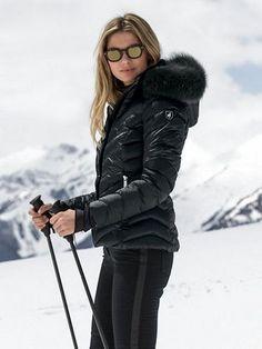 Gorgeous 40+ Best Parkas Women Coats Fashion Winter Jackets Medium-Long https://femaline.com/2017/10/29/40-best-parkas-women-coats-fashion-winter-jackets-medium-long/