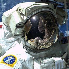 """More EVA Pics"" #AstroButch #spacewalk #selfie #USEVA29"